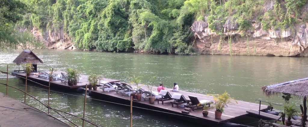 L'approdo al resort nella giungla