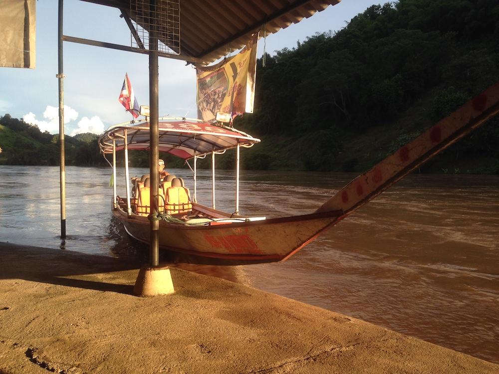 In visita alle tribu' sul fiume Kok