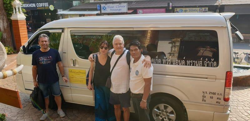 Tour Thailandia con minivan.
